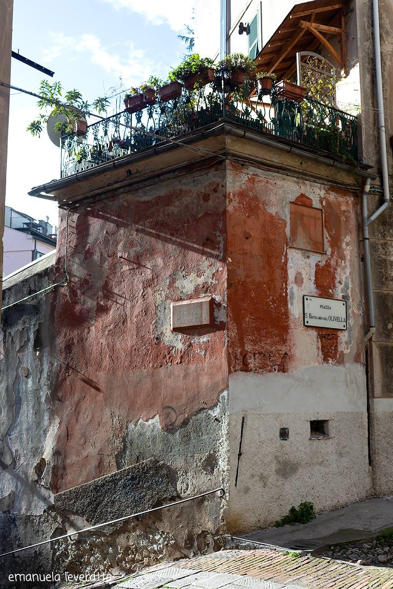 piazza Olivella-quartiere del carmine